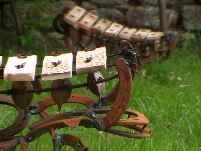 D co de jardin mobilier sonore et sculpture for Deco recup pour jardin